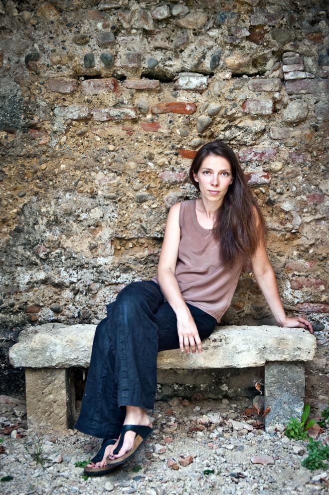 Léonor de Recondo. Photo © Emilie Dubrul. Courtesy Sabine Wespieser éditeur.